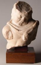 Buste fragmentaire d'enfant en marbre
