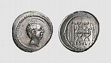REPUBLIC, SILVER DENARIUS OF L. LIVINEIUS REGULUS