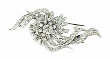 PLATINUM AND DIAMOND BROOCH/PENDANT