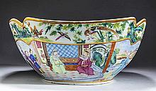 CHINESE EXPORT FAMILLIE ROSE PORCELAIN FOUR-SIDED BOWL