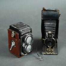 TWO EARLY 20TH CENTURY GERMAN CAMERAS