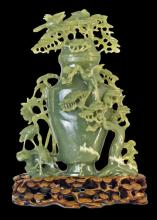 (219)CHINESE CARVED JADE VASE & COVER