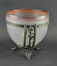 Verreries D'art Lorrain - Vase in bronze mount