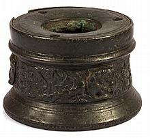 ENCRIER EN BRONZE A PATINE FONCE DU 16ème siècle
