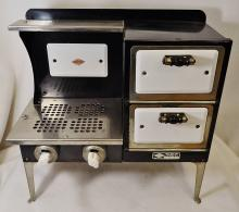 1930 EMPIRE DBL DOOR ELECTRIC STOVE METAL WARE WORKING