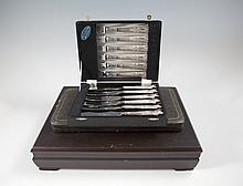A CASED SET OF SIX SILVER HANDLED KINGS PATTERN PASTRY KNIVES AND FORKS, London, 20th Century marks;