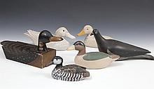 A SMALL COLLECTION OF MODEL DUCKS AND BIRDS, including two carved and washed timber decoy ducks; a s