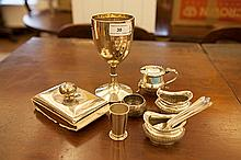 A MISCELLANEOUS COLLECTION OF SILVER ITEMS,