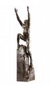 PAUL LANDOWSKI (1875 -1961) «A la mémoire de Wilbur Wright» Epreuve en bronze à patine brune figurant un homme sur un rocher levant les bras au ciel. Signée «P. Landowski» et cachet du fondeur «F. Barbedienne». Vers 1920. Fonte d'édition ancienne. H