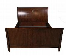 Contemporary Mahogany Queen Size Sleigh Bed