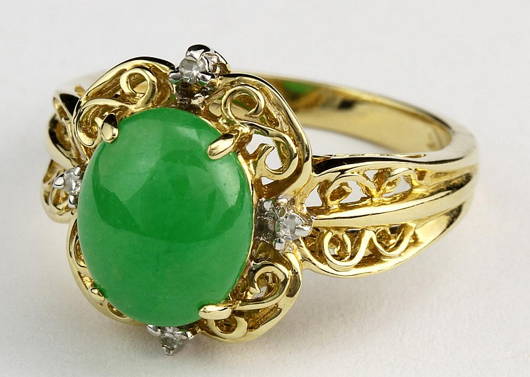 Chinese Jadeite and Gold Ring with Diamonds