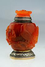 AN EXCEPTIONALLY RARE AND UNUSUAL CHINESE AGATE AND FRENCH SILVER MOUNTED NOVELTY LIGHTER IN THE FORM OF A SNUFF BOTTLE
