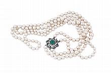 A two pearl rows with clip
