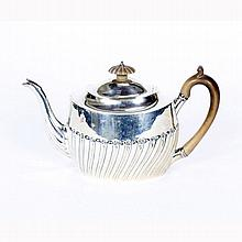 George III English sterling silver teapot, London 1804.