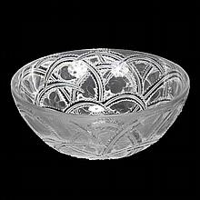 Lalique France crystal 'Pinsons' birds bowl.