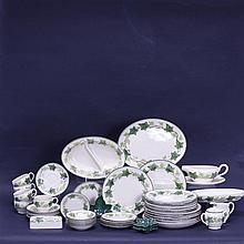 Set of Franciscan Ivy Pottery; 33 pieces.