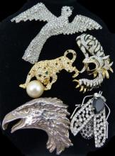 5 COSTUME JEWELRY SIGNED JEWELED BROOCHES