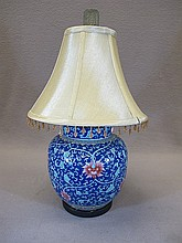 Old Chinese porcelain table lamp