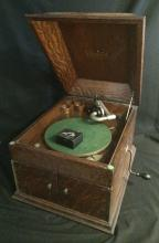Antique Oak Table Top Rca Victor Talking Machine / Crank