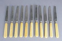 Onze couteaux à fruit à manche ivoire  Orfèvre