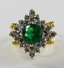 ESTATE 18KT Y GOLD DIAMOND AND EMERALD RING