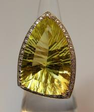 LARGE 14KT GOLD DIAMOND & LEMON QUARTZ LADIES RING