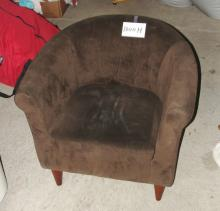 Lot 1000H Good Condition Brown Fabric Room Chair