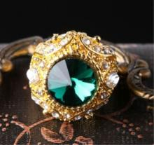 FABULOUS EMERALD CRYSTAL ORANTE RING
