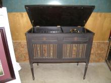 EDISON CABINET PHONOGRAPH, HANDPAINTED FRONT PANELS, DOES WORK