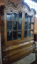 HENRYDON LIGHTED BREAKFRONT/CHINA CABINET: SCULPTED CROWN OVER TWO WINDOW PANE GLASS DOORS OVER 3 LONG DRAWERS