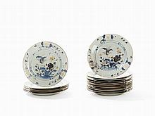 Set of 17 Imari 'Nanking Cargo' Plates, China, 18th C.