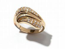 Curved 18 carat yellow gold ring with diamonds