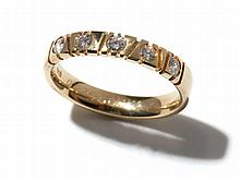 Charming 14 carat yellow gold ring with 5 diamonds