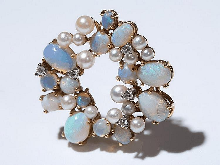 18 carat Gold Brooch with Opals, Diamonds & Akoya-pearls, 1950