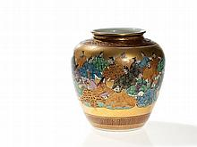 Kutani Porcelain Vase with Imperial Gold Décor, Meiji, c. 1900