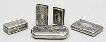 Snusdosor, fem stycken Silver. Den största: Moskva