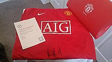 Owen Hargreaves signed shirt in red folder