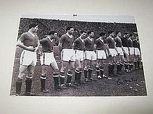 Manchester United black and white signed photo of the Busby Babes last line up.