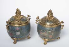 A PAIR OF CLOISONNE ENAMEL INCENSE BURNERS AND COVERS