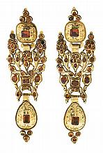 Catalan long earrings in gold and garnets, 19th Century Engraved gold and hessonite garnets, round, oval, rectangular and square cuts,
