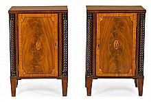 Pair of English-style Sheraton bedside tables in mahogany with fine wood inlay, early 20th Century Decorated with turned and carved pil
