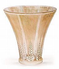 René Lalique Ay, Marne 1860 - París 1945 Vase Épis