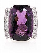 Sortija de amatista orlada con diamantes