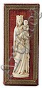Escuela española del primer tercio del siglo XX Virgen con el niño Altorrelieve en marfil tallado. Montado sobre madera tapizada