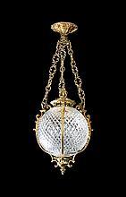 Farol francés en bronce dorado y cristal tallado, hacia 1920