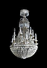 Lámpara de techo con sartas de cuentas de cristal tallado, de finales del siglo XIX-primeras décadas del siglo XX