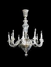 Gran lámpara de techo francesa en cristal tallado de Baccarat, hacia 1910-1930