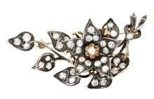 A floral Elizabethan style brooch