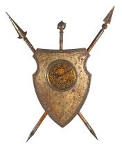 Wall-mounted clock in the form of a display of weapons in brass and partially gilded iron, mid 20th Century