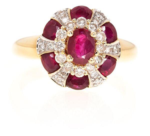 Sortija rosetón de rubíes y diamantes